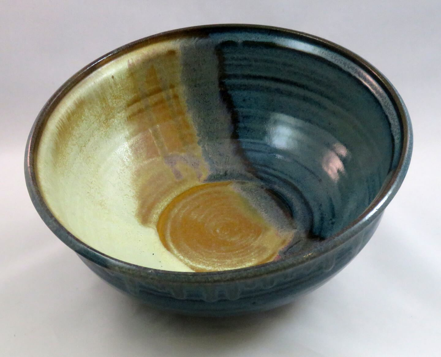 4-two-color-bowl